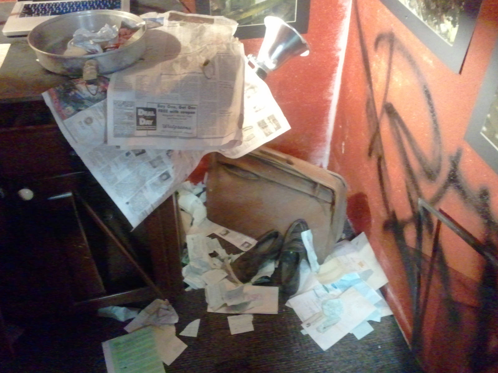 Possessions of 'anonymous' abandoned house and it's contents 1988